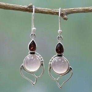 🎀925 Stunning Sardonx & Moonstone Drop Ear